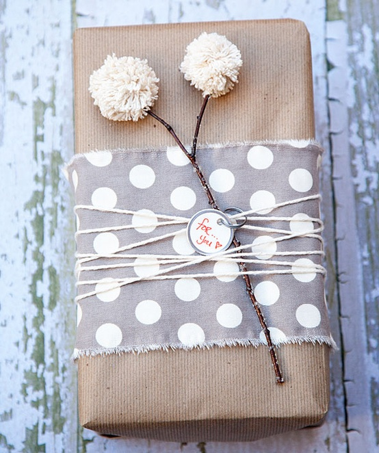 pom pom wrapping via whipperberry