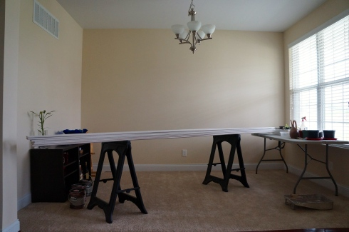 dining room with crown moulding